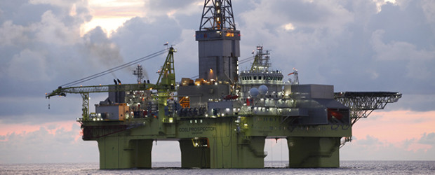 (150703) -- BEIJING, July 3, 2015 (Xinhua) -- Photo taken on June 13, 2015 shows the Xingwang deep-sea semi-submersible drilling platform at Liwan3-2 gasfield in the South China Sea, south China. China's largest offshore oil and gas producer CNOOC Ltd. announced on July 3, 2015 that its Xingwang deep-sea semi-submersible drilling platform has started drilling at 1,300 meters underwater level in Liwan 3-2 gas field in the South China Sea. (Xinhua/Zhao Liang) (lfj)