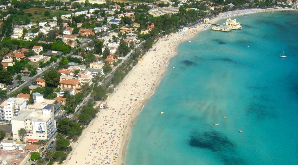 Mondello_beach_libera