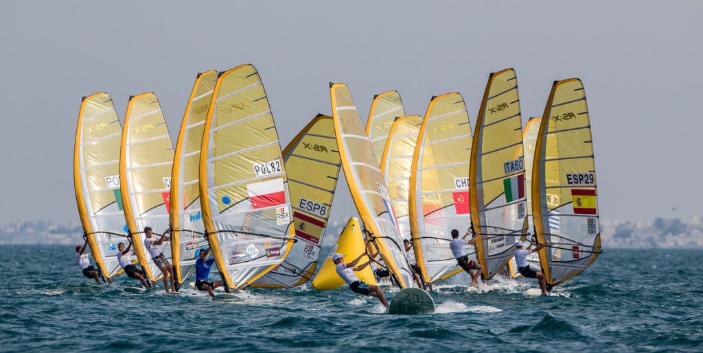 RS:X WORLD CHAMPIONSHIP 2015, October 17th-24th Al Mussanah Sports City, Sultanate. 4th day of racing, golden fleets 22.10.2015 Credit Jesus Renedo/Oman Sail